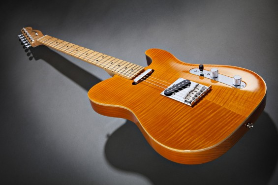 Fender Select Carved Maple Top Telecaster