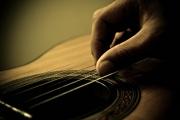 Let Your Fingers Do the Talking – Basic Travis Finger Picking Tutorial – Part 1